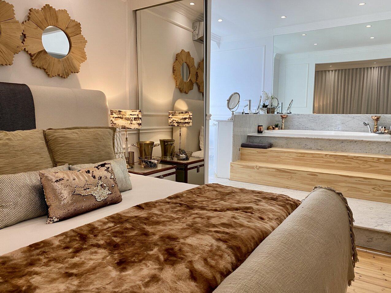 Clifton Beachfront Dream bedroom & bathroom